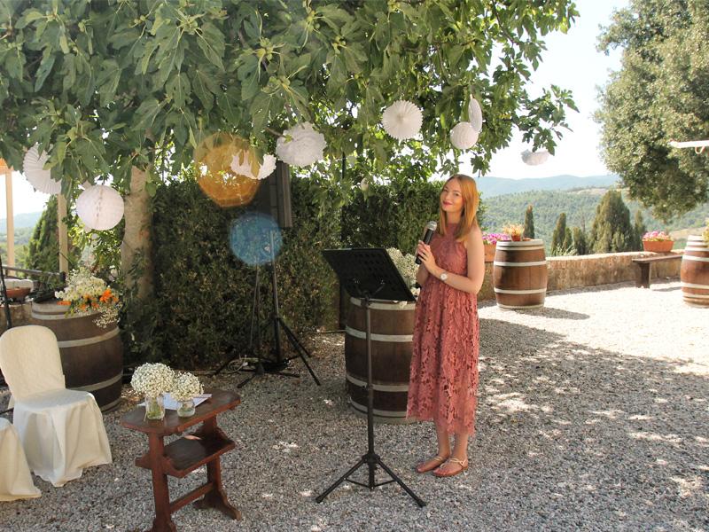 Anne bei einer Hochzeit in Italien