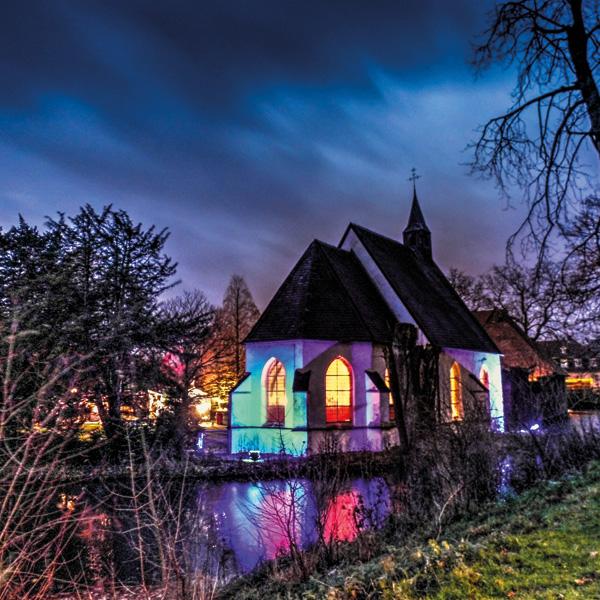 Die Kapelle bei Nacht